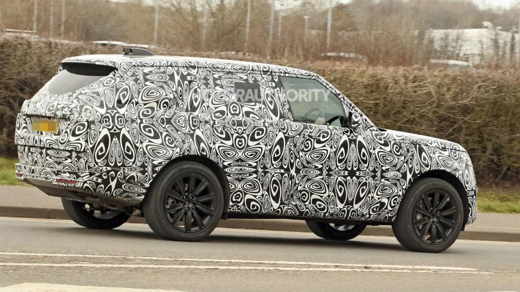 На тестах замечен гибридный внедорожник Range Rover 2022 модельного года
