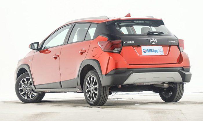 Toyota начала продажи самого дешевого кроссовера Yaris LX