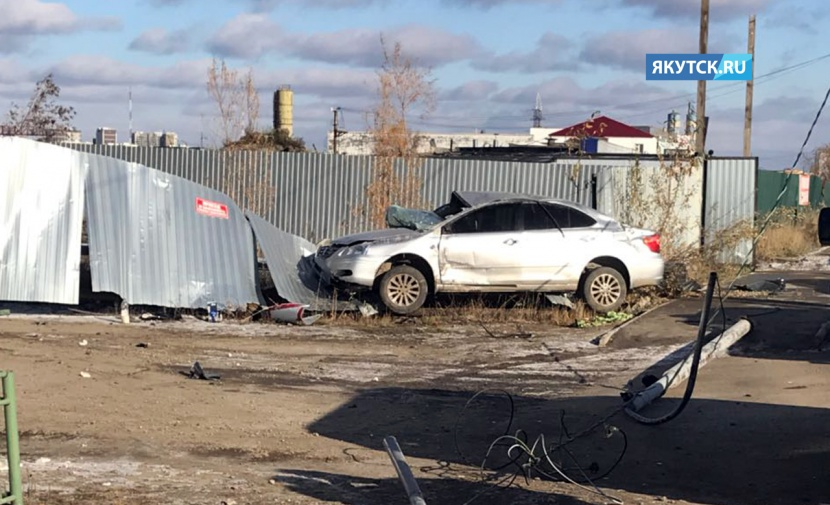Два человека погибли в ДТП с Toyota Premio в Якутске