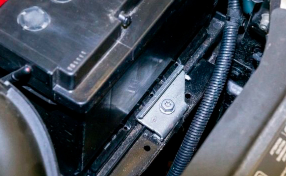 АвтоВАЗ опять отзывает автомобили: 20 тысяч машин Lada XRAY потенциально опасны