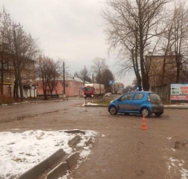 В Иванове водитель иномарки сбил 18-летнюю девушку-пешехода