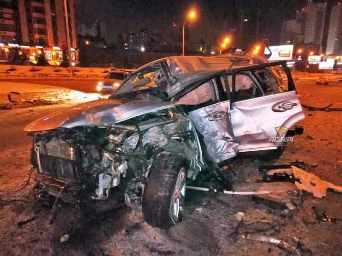 В жутком ДТП на Ипподромской в центре Новосибирска погибла девушка