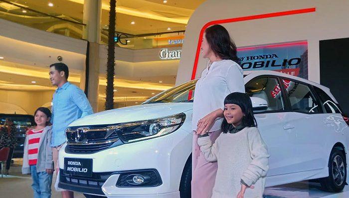 Honda представила в Индонезии обновленный компактвэн Mobilio