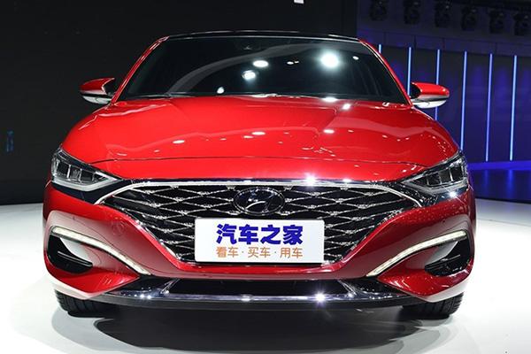В Сети рассекречен салон нового молодежного купе Hyundai Lafesta