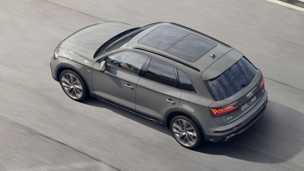 AUDI запустила продажи обновлённых кроссоверов Audi Q5 и Audi SQ5 в РФ