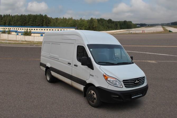 МАЗ запускает серийную сборку микроавтобусов и фургонов