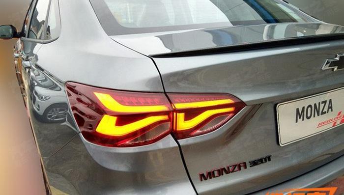 В Сети появились первые фотографии седана Chevrolet Monza