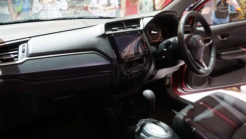 Honda представила обновленный кроссовер Honda BR-V