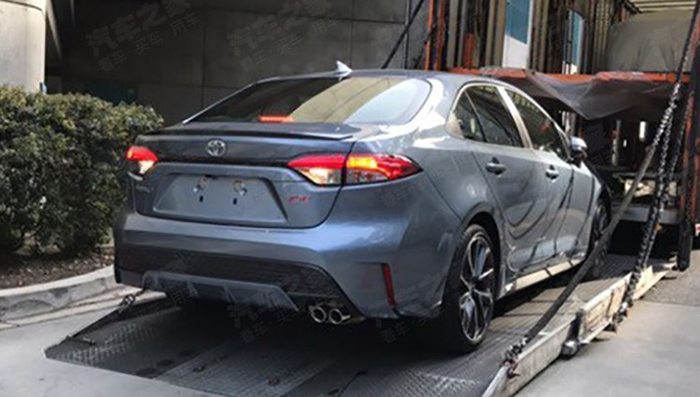 Toyota привезла седан Toyota Corolla 2019 на автосалон в Лос-Анджелесе