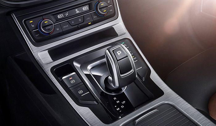 Geely показала на фото обновленный Emgrand GS с мотором от Volvo