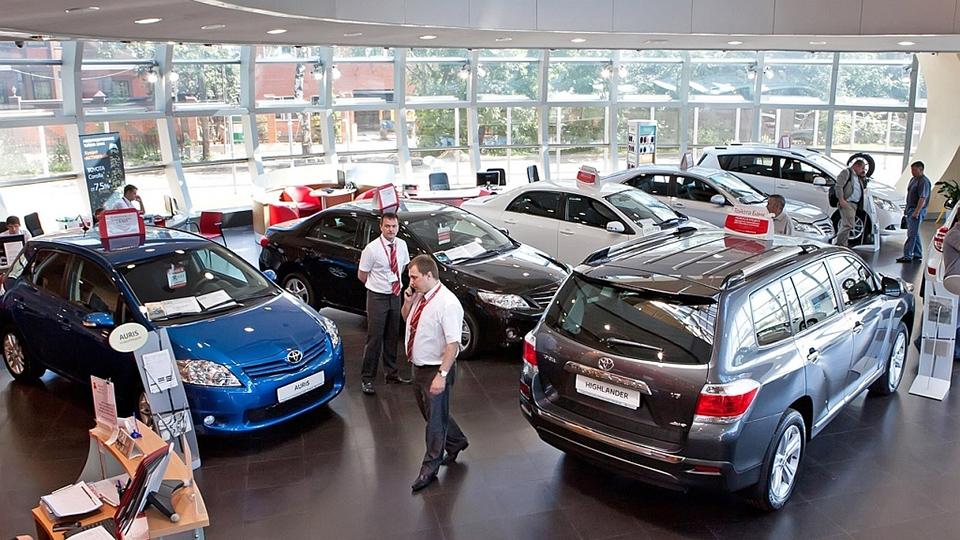Продажи новых легковых авто и LCV в РФ увеличились почти на 18%