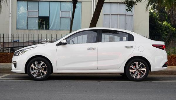 Kia Rio нового поколения получила юбилейную версию в Китае