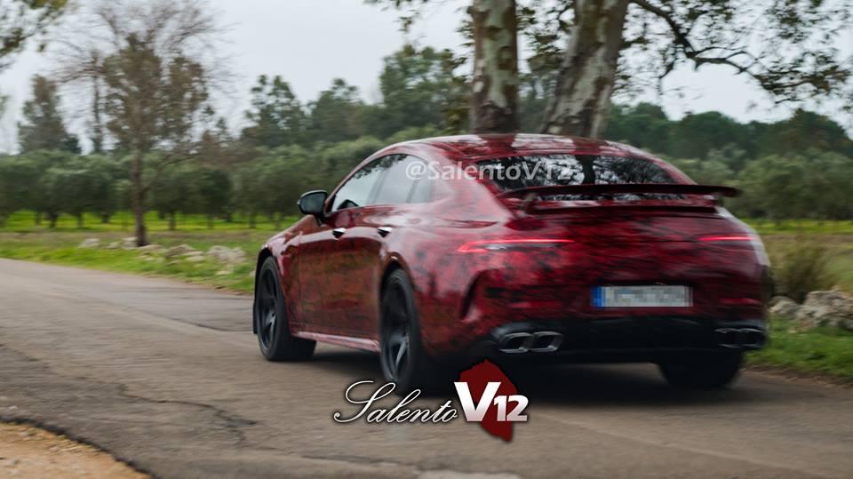 Опубликованы фото спортседана Mercedes-AMG GT4 без камуфляжа