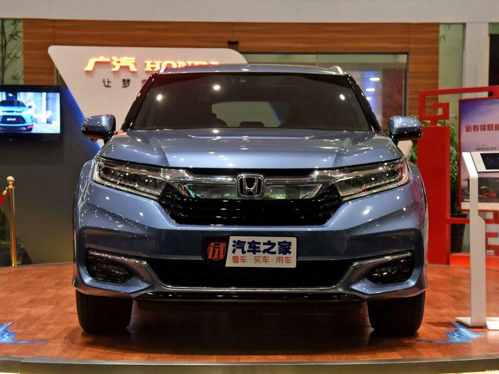 Обновленный кроссовер Honda Avancier появился в продаже