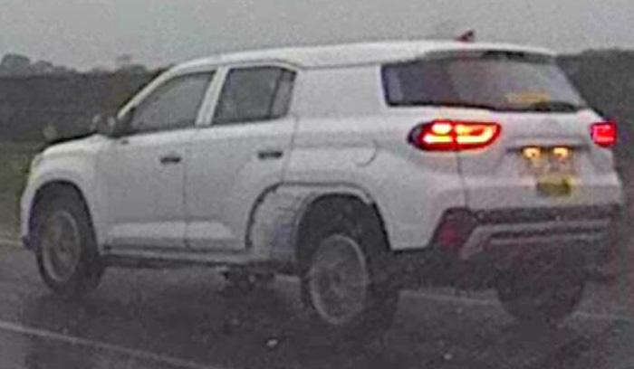 Hyundai вывел на тесты трехрядный кроссовер Hyundai Tucson