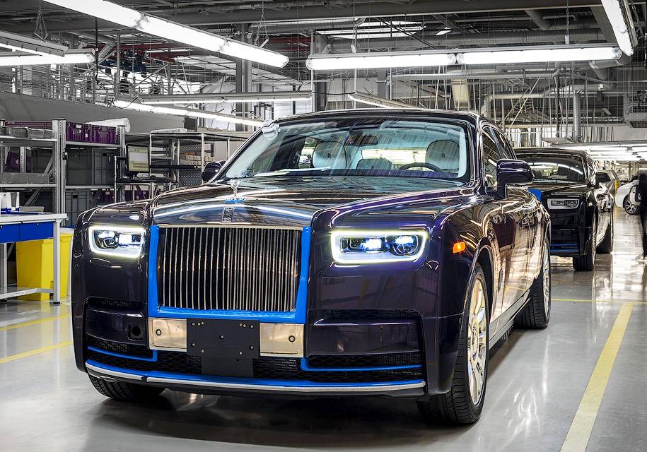 Первый экземпляр нового Rolls-Royce Phantom будет продан на аукционе