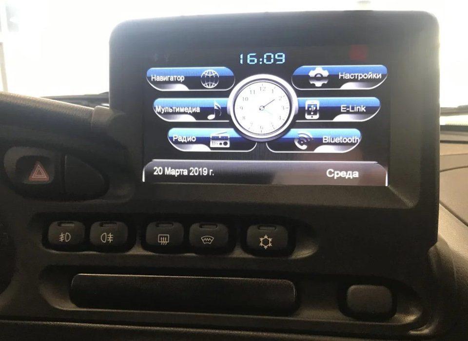 Опубликованы секретные фото интерьера новой Chevrolet NIVA