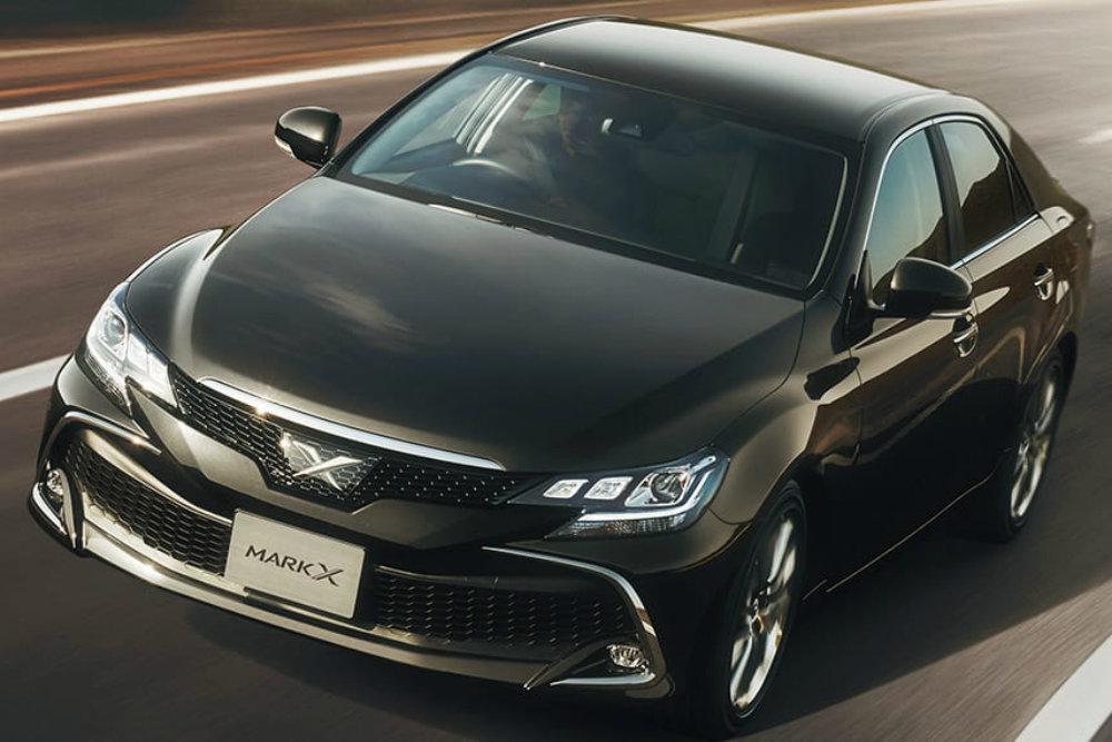 Toyota снимает с производства седан Mark X и выпустила его спецсерию