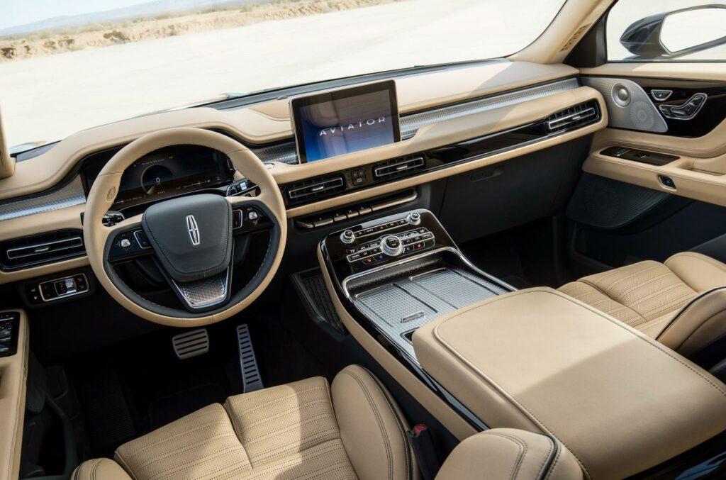 Новый кроссовер Линкольн  Aviator покажут на автомобильном салоне  вЛос-Анджелесе