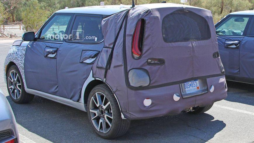 Kia готовит к дебюту электрический кроссовер Kia Soul EV