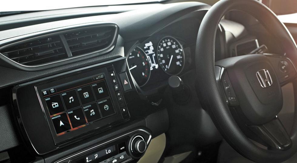 Honda начала продажи нового бюджетного седана Amaze