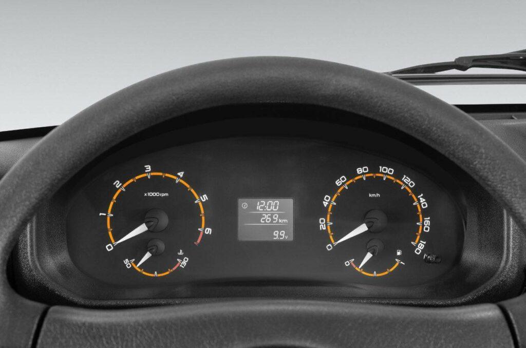 АвтоВАЗ показал в деталях салон обновлённой Lada 4x4