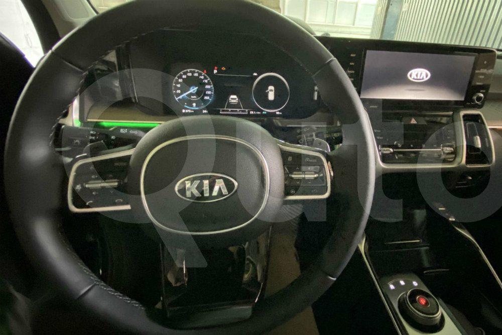 Новый Kia Sorento для России показали на первых снимках
