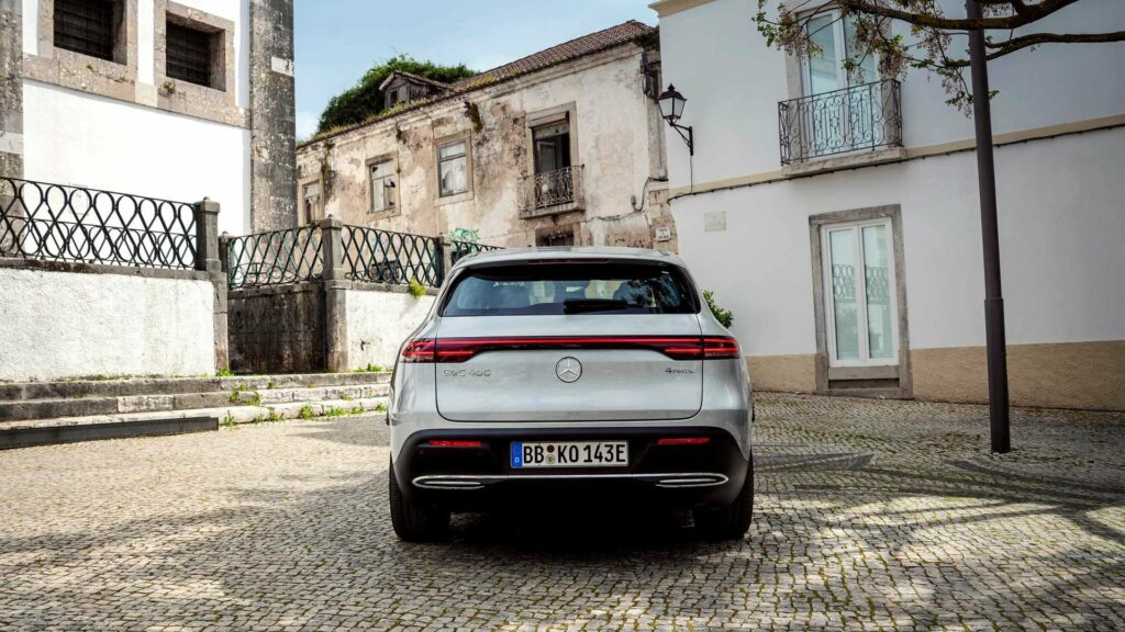 Mercedes-Benz подготовил спецверсию электрического кроссовера EQC