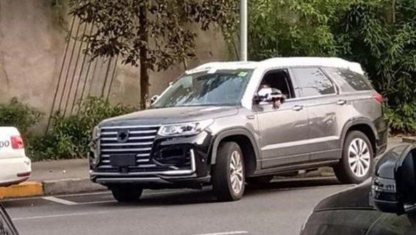 В Сети показали шпионские снимки внедорожника Changan CS95