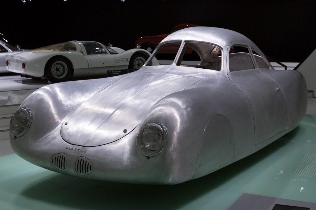 Самый старый автомобиль Porsche выставлен на аукцион за $20 млн