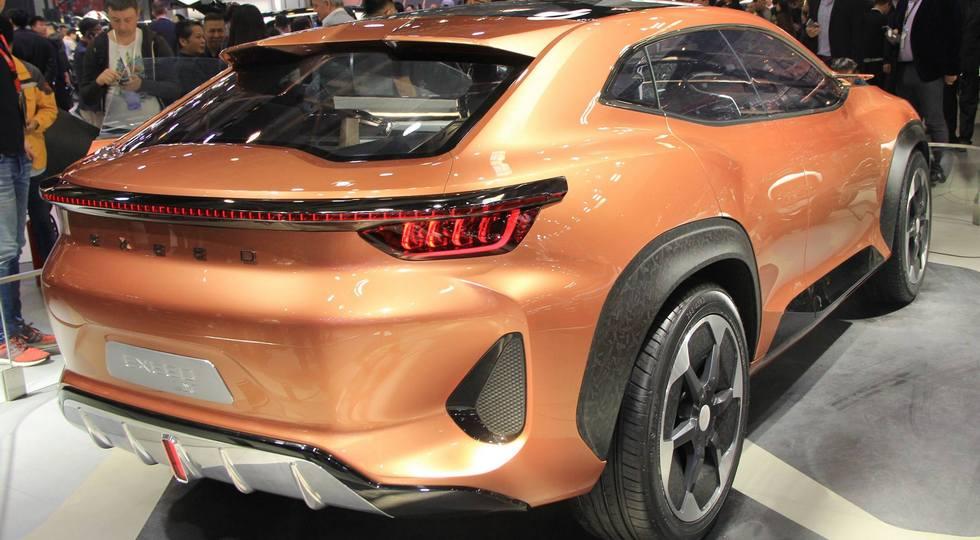 В Пекине дебютировал новый купеобразный кроссовер Chery Exeed LX