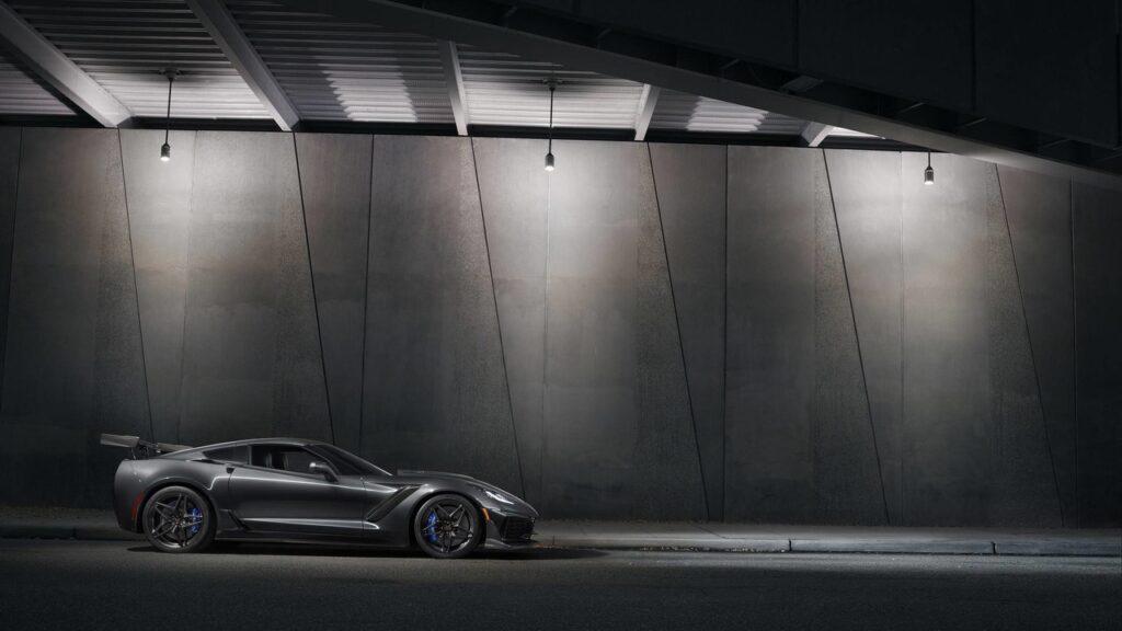 Chevrolet представила мощнейший Corvette в истории Corvette ZR1