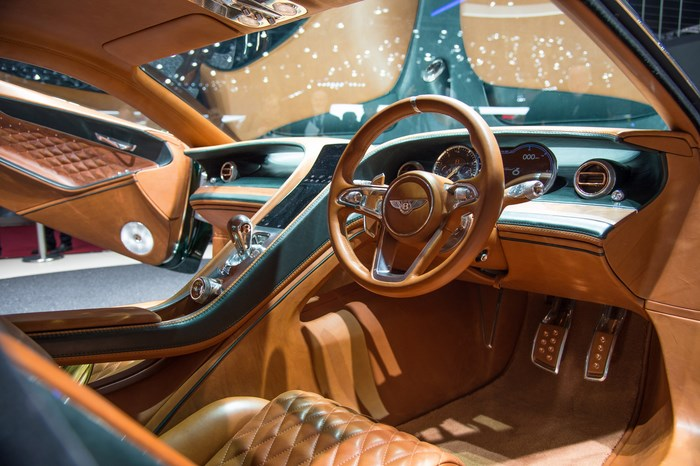 Самым красивым автомобилем в мире стал Bentley EXP10 Speed 6