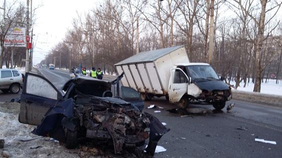 Трое погибли в жуткой автокатастрофе в Северном районе Орла