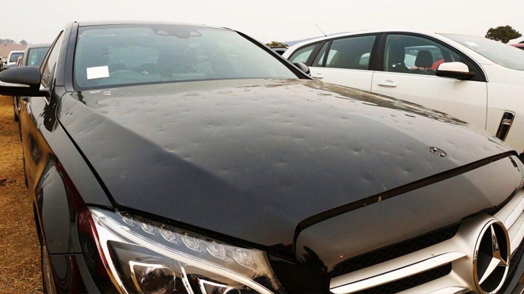 В Австралии никак не могут продать 4 тыс. побитых градом машин