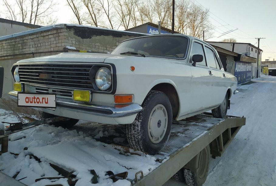 Простоявшую в гараже 32 года «Волгу» продают за 1 миллион рублей