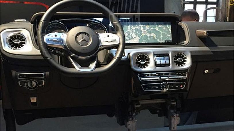 В Сети рассекречен интерьер нового Mercedes-Benz G-класс