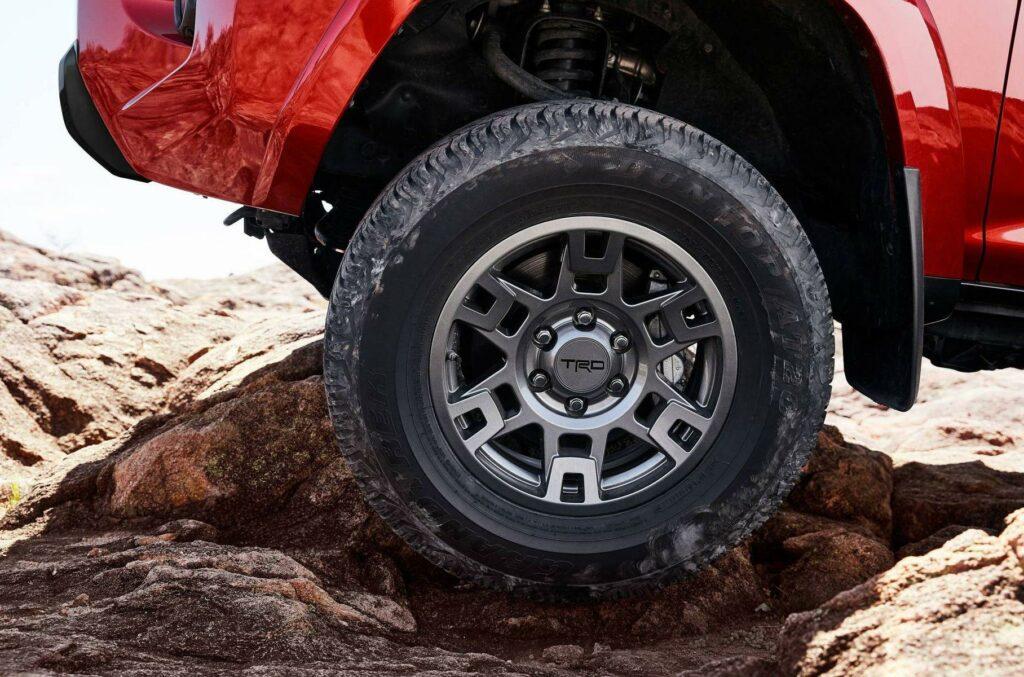 Toyota 4Runner получил внедорожную версию Venture Edition
