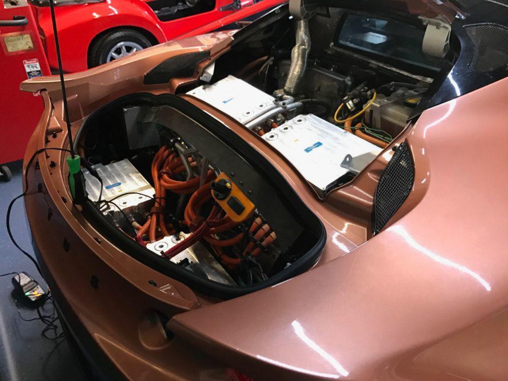 Единственный в мире гибридный Lotus Evora выставили на продажу