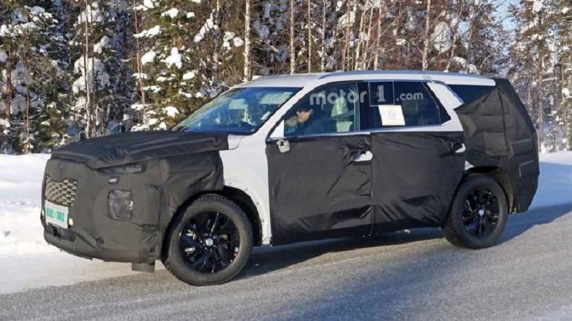 Новый большой внедорожник Hyundai впервые заметили на тестах