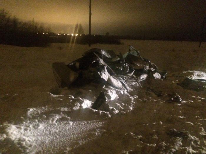 Легковушка разбилась всмятку из-за гололеда на Красноярском тракте, погиб человек