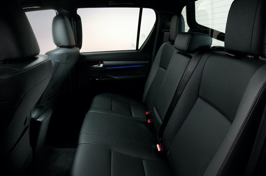 Обновлённый пикап Toyota Hilux представила Toyota