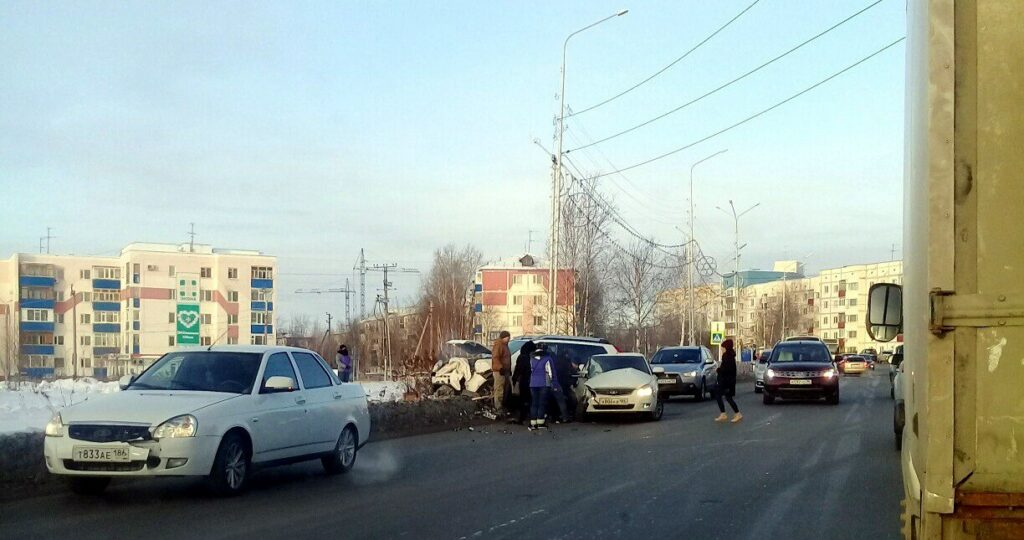 Один человек погиб в ДТП Nissan X-Trail и «Приоры» в Нефтеюганске