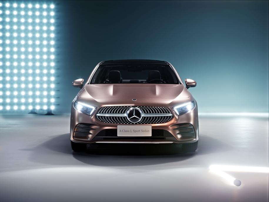 Компания Mercedes-Benz представила новый седан A-Class