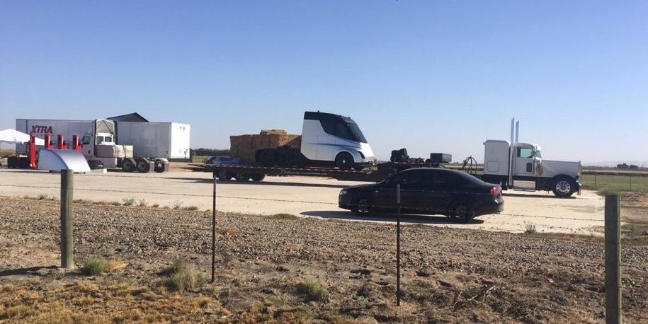 Электрический грузовик Tesla дебютирует 16 ноября