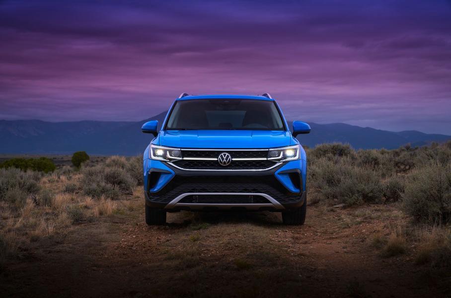 Компания Volkswagen представила новый кроссовер Taos