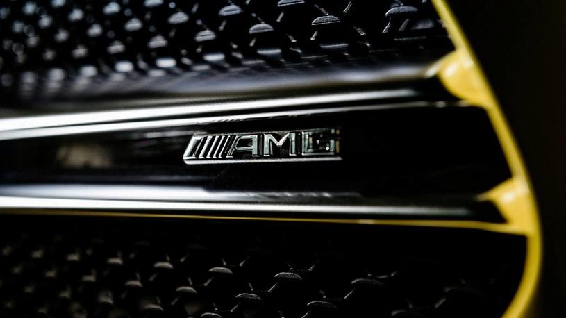 В Сети появились фото самого доступного хэтчбека Mercedes-AMG A35