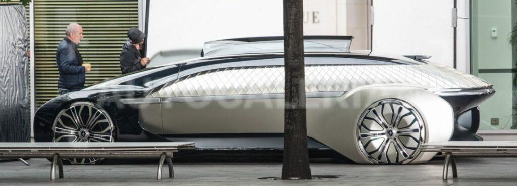 Необычный прототип Renault сфотографировали на улицах Варшавы