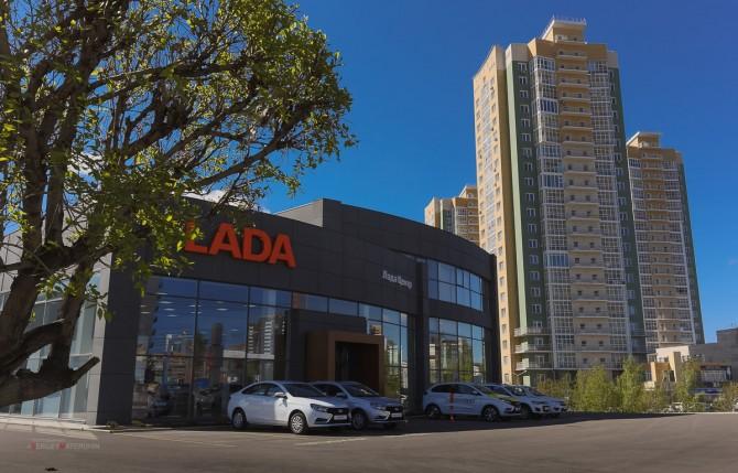 «АвтоВАЗ» открыл новый дилерский центр LADA в Красноярске