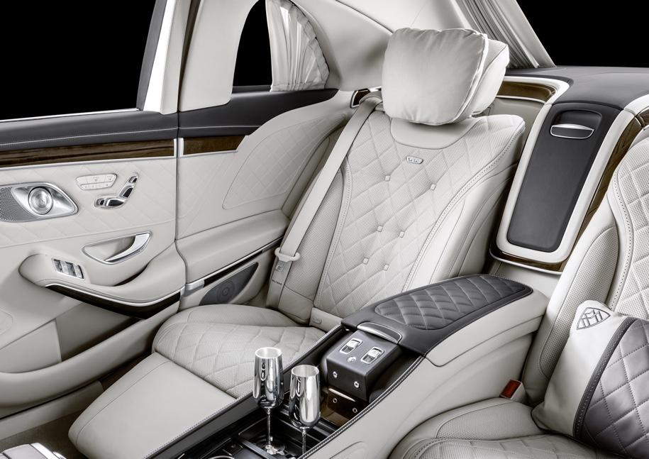 Mercedes-Benz представила обновленный лимузин Mercedes-Maybach Pullman